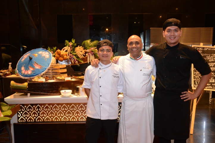Chefs Chitsanuphat Dungjampa, Manavl Koul and Chalermchai Tavornaroonrat